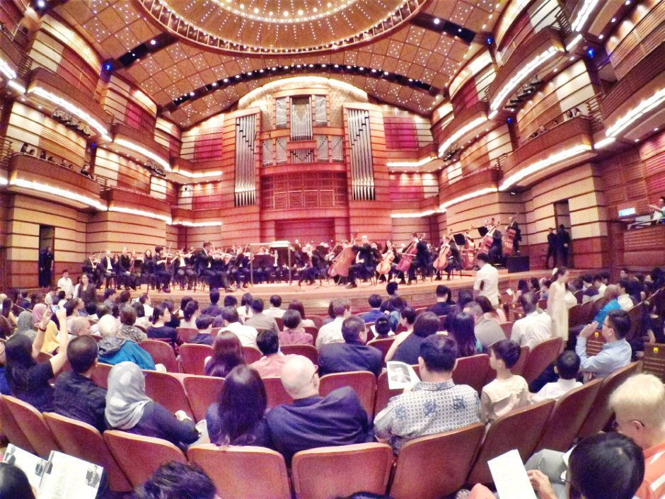 malaysia-kuala-lumpur-concert-beethoven-malaysian-philharmonic-orchestra-and-conductor-gabor-takacs-nagy-and-violin-ray-chen-beethoven-violin-cencerto-in-d-major-op61-a06-great-music