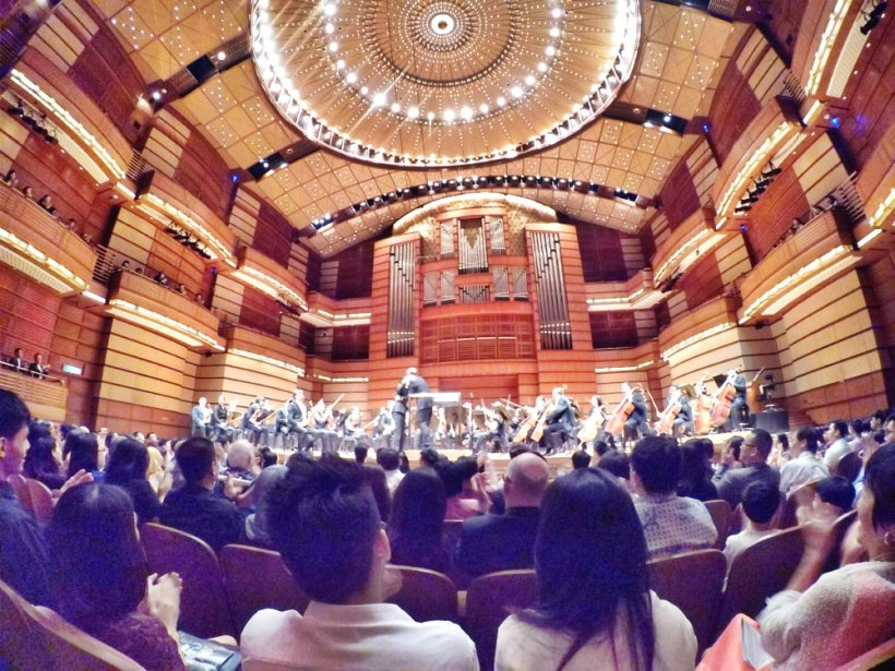 malaysia-kuala-lumpur-concert-beethoven-malaysian-philharmonic-orchestra-and-conductor-gabor-takacs-nagy-and-violin-ray-chen-beethoven-violin-cencerto-in-d-major-op61-a09-great-music