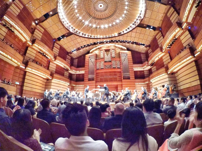 malaysia-kuala-lumpur-concert-beethoven-malaysian-philharmonic-orchestra-and-conductor-gabor-takacs-nagy-and-violin-ray-chen-beethoven-violin-cencerto-in-d-major-op61-a10-great-music