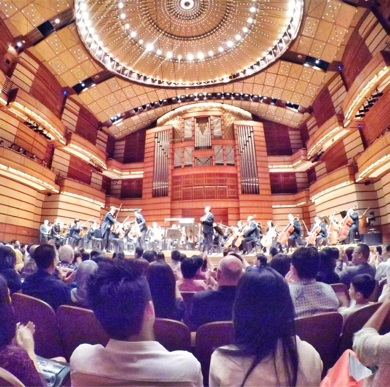 malaysia-kuala-lumpur-concert-beethoven-malaysian-philharmonic-orchestra-and-conductor-gabor-takacs-nagy-and-violin-ray-chen-beethoven-violin-cencerto-in-d-major-op61-a11-great-music