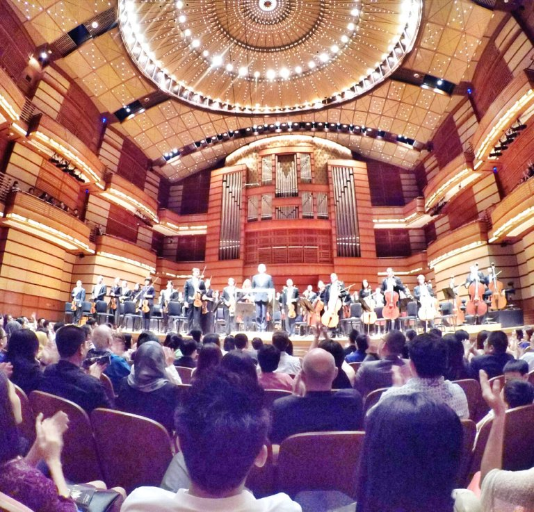 malaysia-kuala-lumpur-concert-beethoven-malaysian-philharmonic-orchestra-and-conductor-gabor-takacs-nagy-and-violin-ray-chen-beethoven-violin-cencerto-in-d-major-op61-a16-great-music