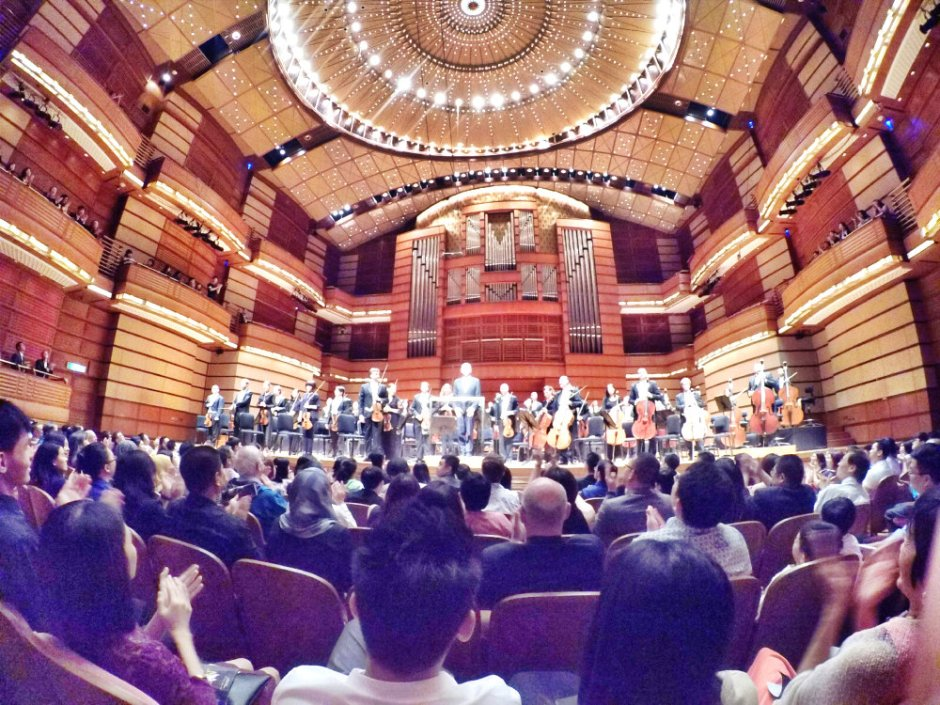 malaysia-kuala-lumpur-concert-beethoven-malaysian-philharmonic-orchestra-and-conductor-gabor-takacs-nagy-and-violin-ray-chen-beethoven-violin-cencerto-in-d-major-op61-a17-great-music