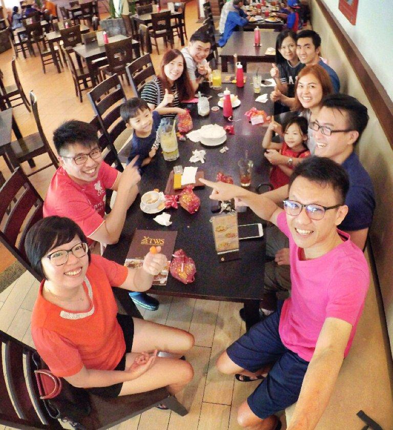 chinese-new-year-2017-friends-gathering-raymond-ong-effye-ang-alyvn-lim-tory-tan-grace-teo-hoe-koon-kiang-bella-phei-at-batu-pahat-johor-malaysia-a01-%e6%96%b0%e6%98%a5%e5%bf%ab%e4%b9%90