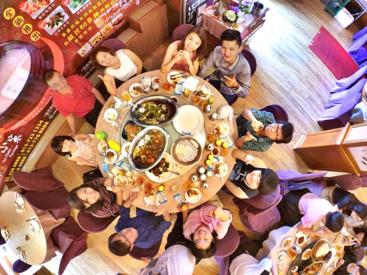 ong-family-chinese-new-year-family-reunion-lunch-%e7%8e%8b%e5%ae%b6%e5%86%9c%e5%8e%86%e5%b9%b4%e5%88%9d%e4%ba%8c%e5%9b%a2%e5%9c%86%e9%a5%ad-batu-pahat-online-publication-online-media-a04-raymond-ong