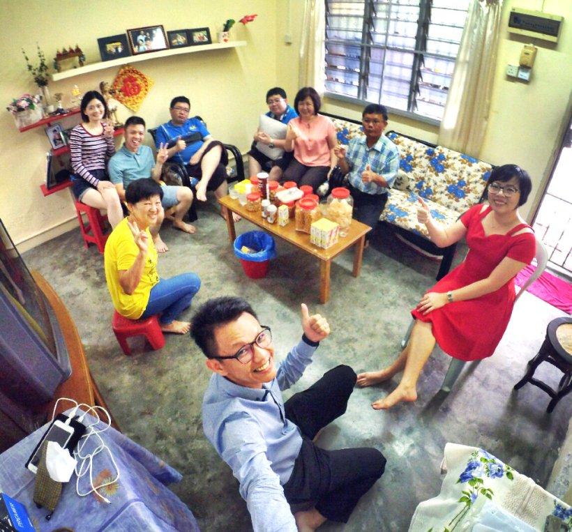 raymond-ong-effye-ang-chinese-new-year-2017-reletive-gathering-effye-media-online-advertising-a01