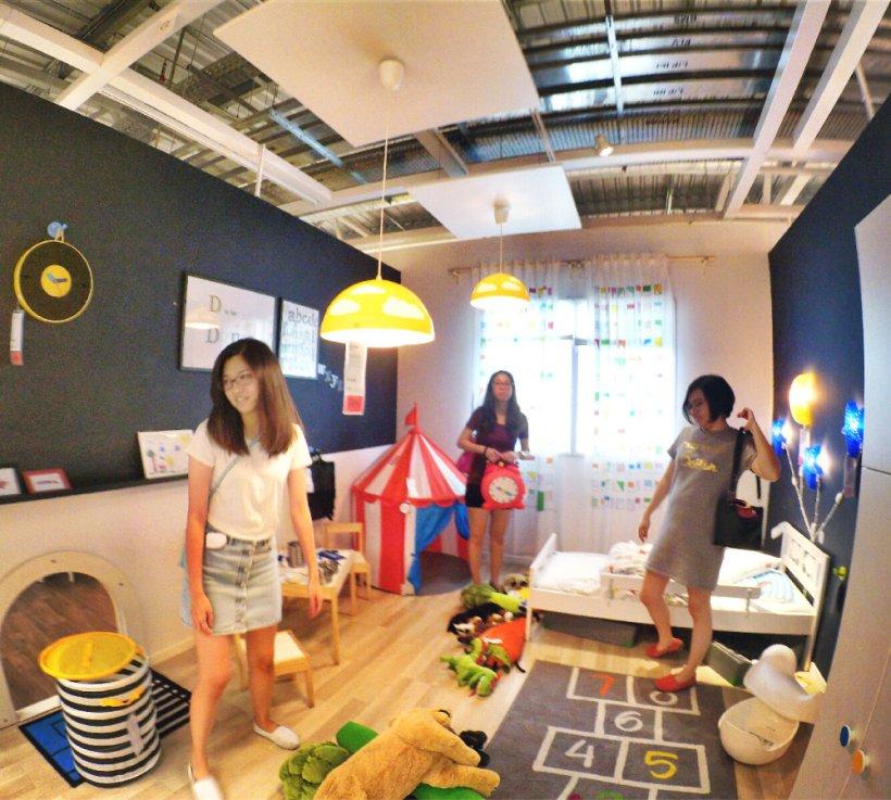raymond-ong-effye-ang-kong-waishim-priscilla-ong-shopping-at-ikea-cheras-kuala-lumpur-selangor-malaysia-effye-media-web-development-online-advertising-a36