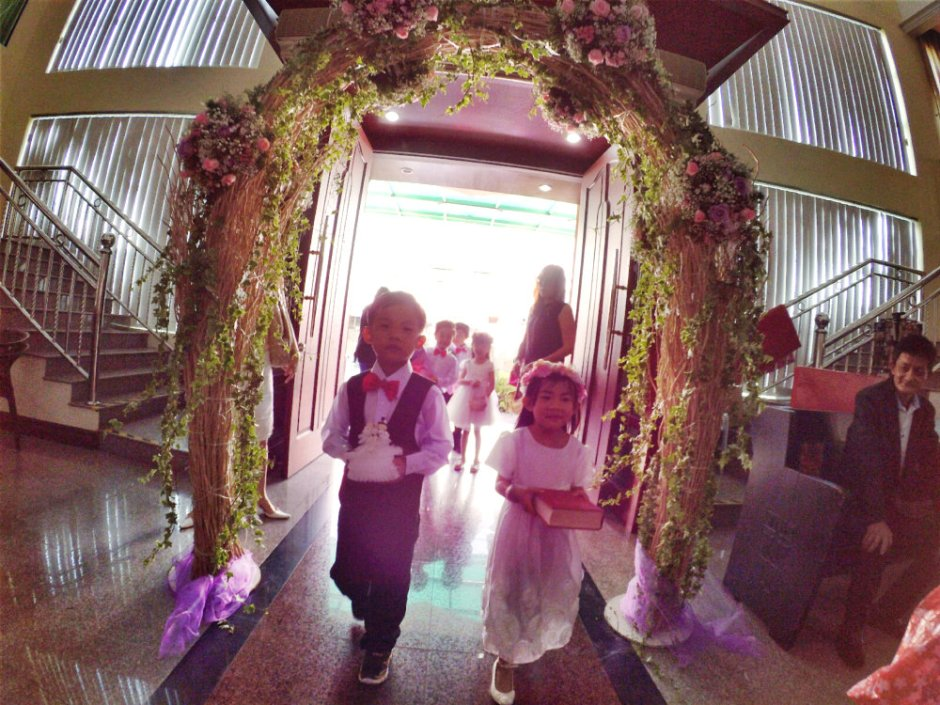 batu-pahat-church-wedding-tory-tan-and-elaine-teo-joyful-happiness-wedding-day-at-saving-grace-church-raymond-ong-effye-ang-effye-media-online-advertising-website-development-business-education-a12