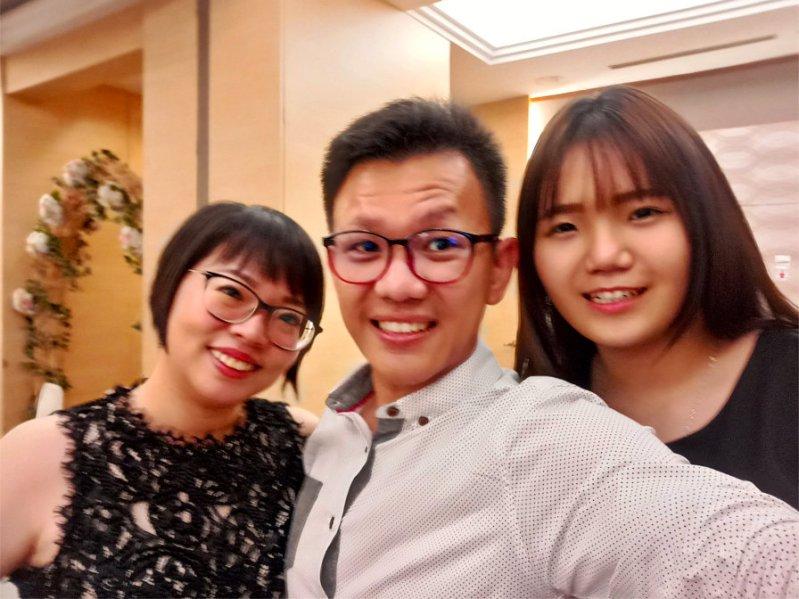 batu-pahat-church-wedding-tory-tan-and-elaine-teo-joyful-happiness-wedding-day-at-saving-grace-church-raymond-ong-effye-ang-effye-media-online-advertising-website-development-business-education-a65