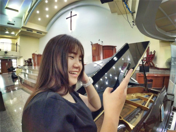 batu-pahat-church-wedding-tory-tan-and-elaine-teo-joyful-happiness-wedding-day-at-saving-grace-church-raymond-ong-effye-ang-effye-media-online-advertising-website-development-business-education-a31