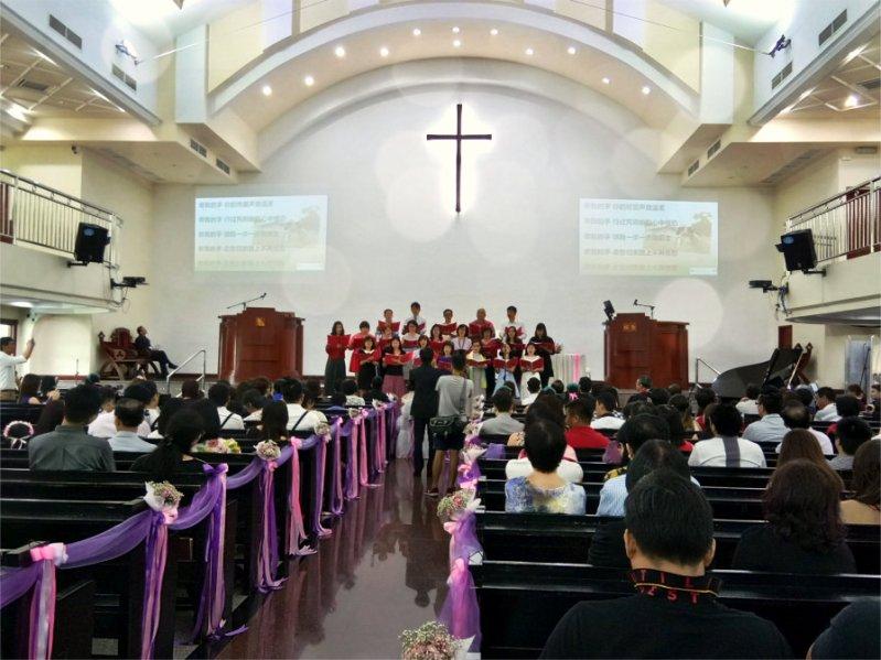 batu-pahat-church-wedding-tory-tan-and-elaine-teo-joyful-happiness-wedding-day-at-saving-grace-church-raymond-ong-effye-ang-effye-media-online-advertising-website-development-business-education-a61