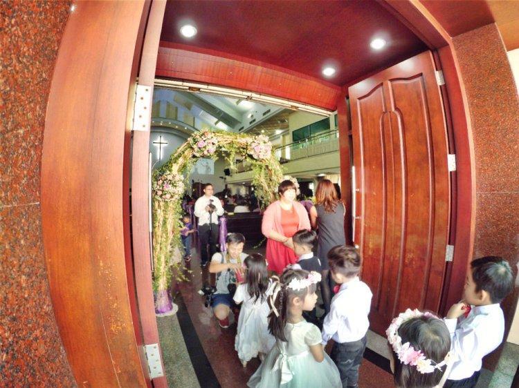 batu-pahat-church-wedding-tory-tan-and-elaine-teo-joyful-happiness-wedding-day-at-saving-grace-church-raymond-ong-effye-ang-effye-media-online-advertising-website-development-business-education-a08