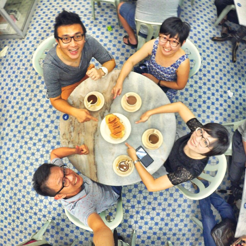 chinese-new-year-2017-friends-gathering-at-batu-pahat-han-kee-bakery-bakery-cake-house-with-raymond-ong-effye-ang-keith-kuang-hui-san-effye-media-online-advertising-batu-pahat-johor-malaysia-a04