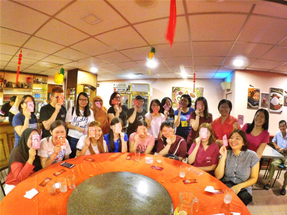 chinese-new-year-2017-malaysia-johor-batu-pahat-family-care-dental-surgery-dental-care-new-year-startup-dinner-at-daddy-village-raymond-ong-effye-ang-effye-media-online-advertising-web-dev-a14