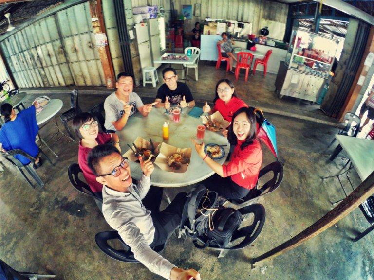 Johor Pekan Nanas Nenes Alfred Law Genesis Raymond Ong Effye Ang Pinky Ning Estella Onn Choo Yee Liang Lunch and Meeting Effye Media Online Advertising A01