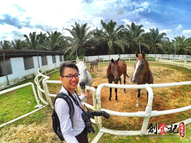 Sinar Eco Resort Pekan Nanas Johor Malaysia Family Gathering Camp Travel Adventure Tourist Attraction Farm Retreat Trip Raymond Ong Effye Ang Alfred Law Pinky Ning Estella Onn A32