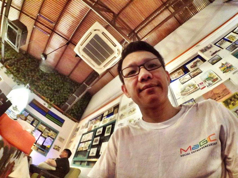 Dinner at Roundabout Kopitiam Cafe Batu Pahat Johor Malaysia Raymond Ong Effye Ang Effye Media Online Advertising Website Development Johor Msia A03