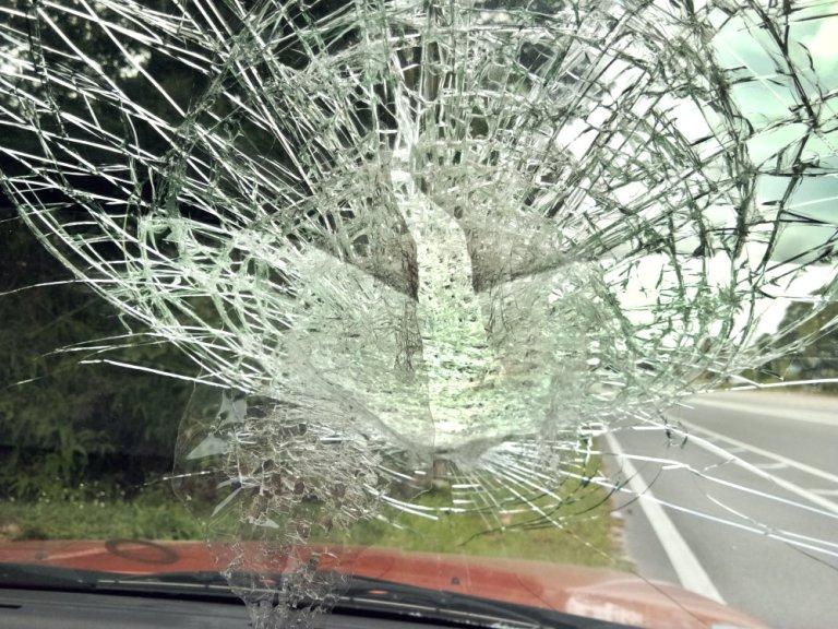 Malaysia Johor Batu Pahat Accident When A Car Meet a Rock at Tanjung Labor Batu Pahat Raymond Ong Effye Media Online Advertising Web Development A05