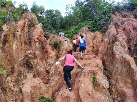 山里的故事 峇株巴辖 龙华山庄 后山 Gunung Puncak Batu Pahat Johor Malaysia Raymond Ong A11