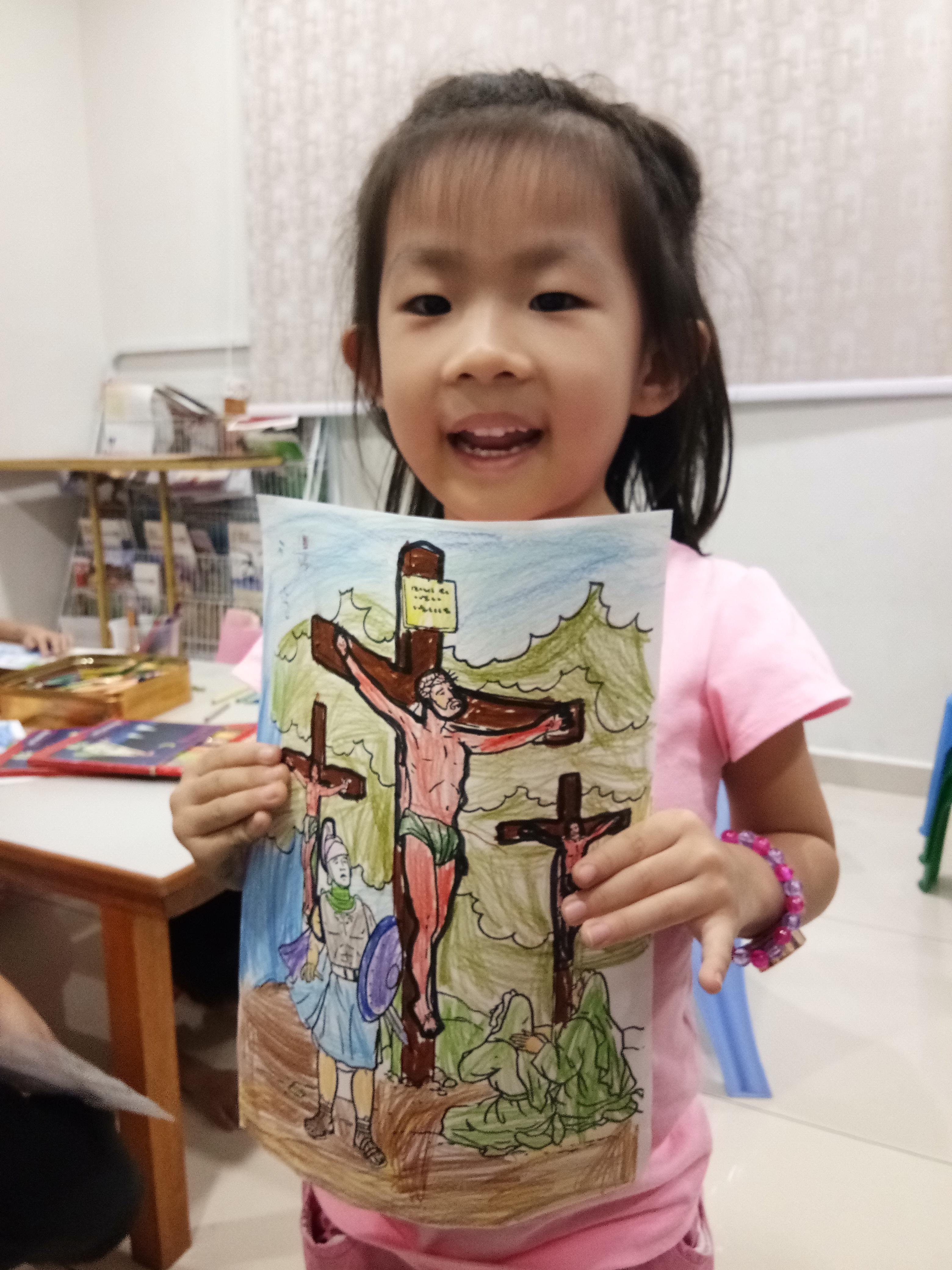 苏雅喜乐堂 里 崇拜时的儿童班 各各他 山上 的 三个十字架 耶稣与强盗 A01