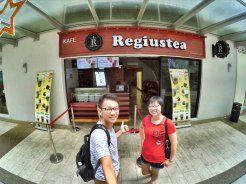 Raymond Ong and Effye Ang walk around with Mum Ng Siok Gek Regiustea Cafe in Malaysia 和妈妈逛街 A16