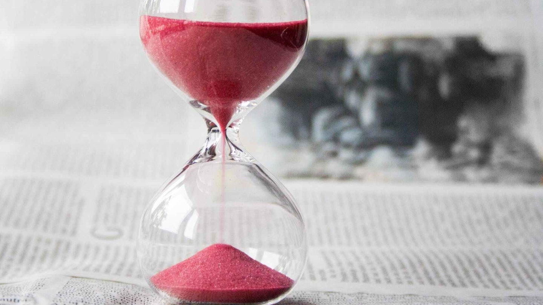 不能用暂时的眼光来看暂时的这一生,这将是很大的损失。