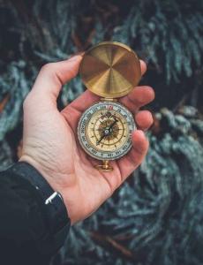 可能你在打工、可能你在为别人服务,但很重要的一件事#是,那时间#是你的,是一段段#不可能再重复的属于你人生的时间。 你我要为每一段时间留下什么重要的人生记录?!你我到底为每一段时间有什么计划?!
