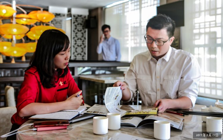 Raymond Ong Precious Photo Record - Pinky Ning Interview Restaurant A15